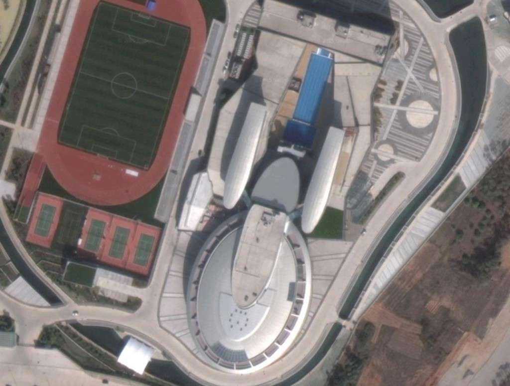 To boldly build: replica building of the USS Enterprise (photo credit: Google Maps)