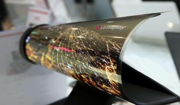 LG roll up display (photo credit: LG Display)